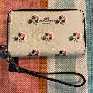 Coach bramble Rose wristlet